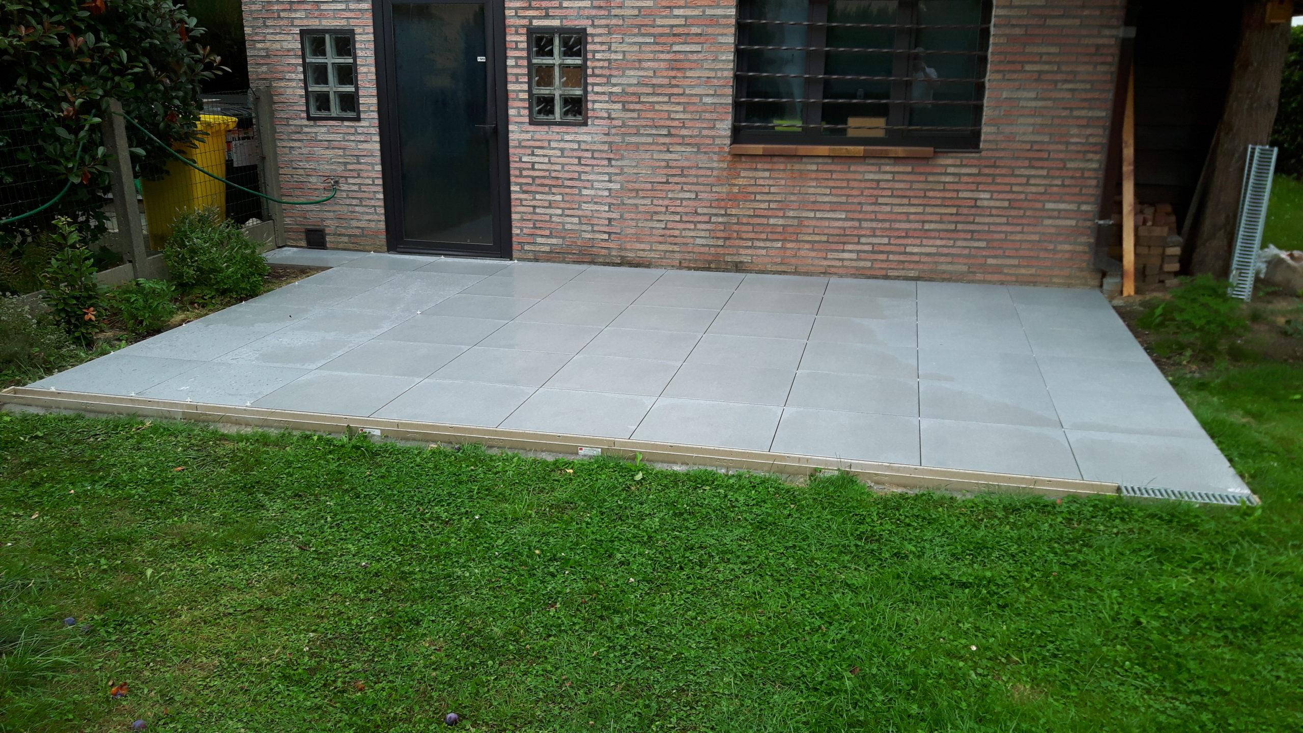 Aménagement d'une terrasse en dalles céramiques